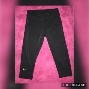 Under Armor Black Cropped Leggings - Small